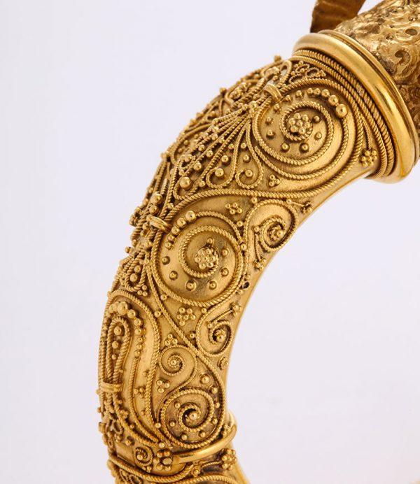19th C. European 18 kt Gold Etruscan Revival Granulated Ram's Head Bangle Bracelet Closeup of Pattern